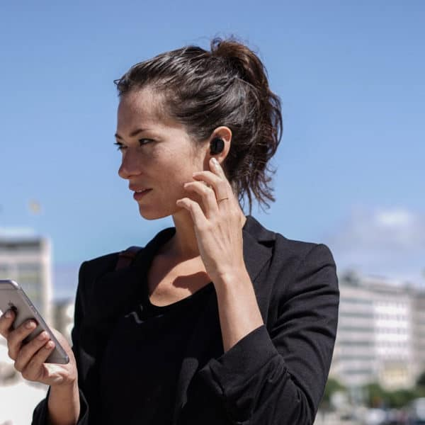 Bragi's AI earbuds will recognize the sounds around you